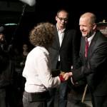 Laureatka Małgorzata Sikorska-Miszczuk odbiera gratulacje od prezydenta Marka Stępy