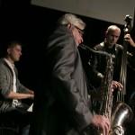 R@Port Jazz: Hubert Świątek, Przemek Dyakowski i Janusz Mackiewicz uprzyjemniają gościom oczekiwanie na realizatorów spektaklu